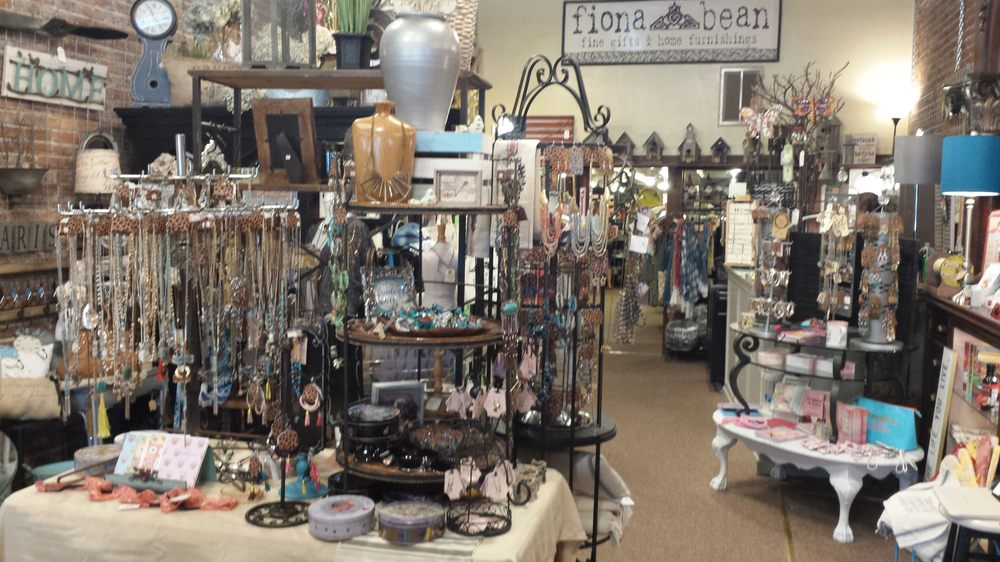 Fiona bean Quirky Elegance: 111 SW G St, Grants Pass, OR