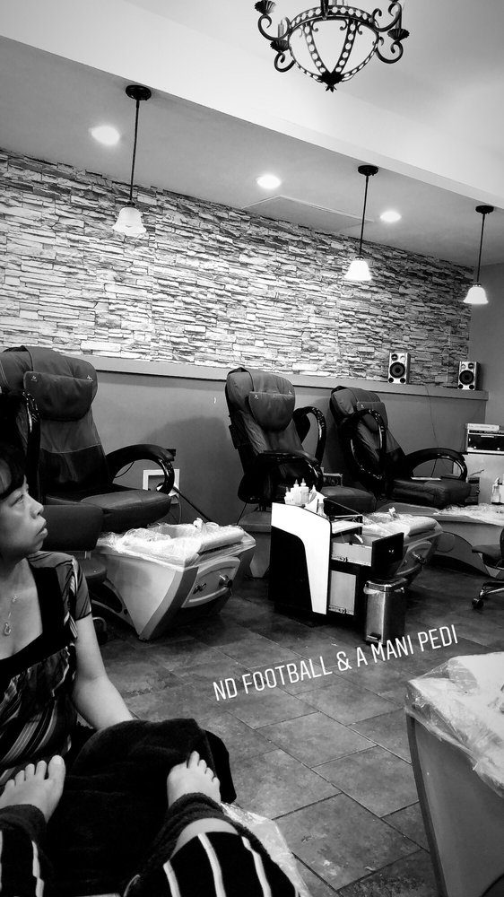 Lee's Nails: 1290 E Ireland Rd, South Bend, IN