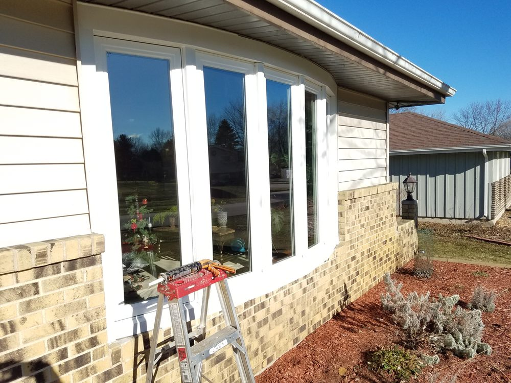 Replacing Front Bay Windows With Energy Efficient Vinyl