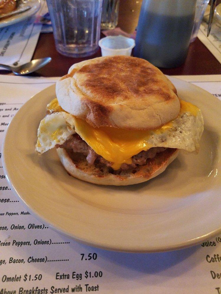 St James Restaurant: 204 E Albion St, Avilla, IN