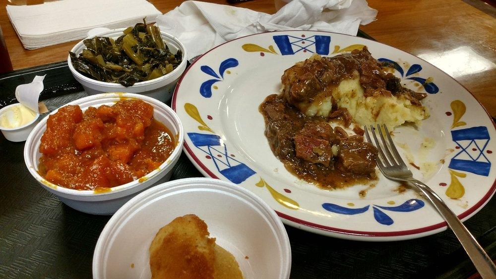 Big Daddys Dish: 5595 Old National Hwy, Atlanta, GA