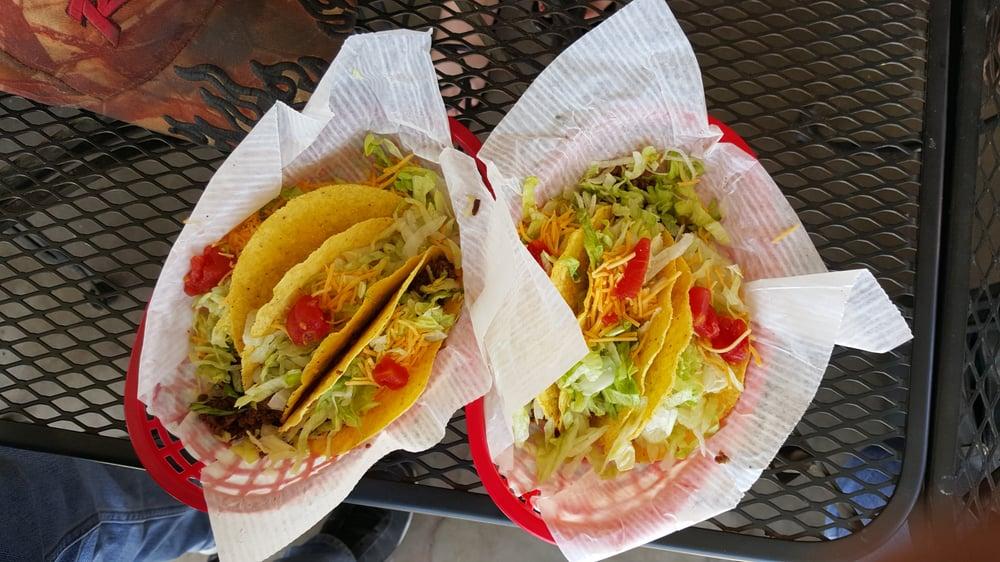 Circle S Saloon: 16021 W. El Tiro Rd, Marana, AZ