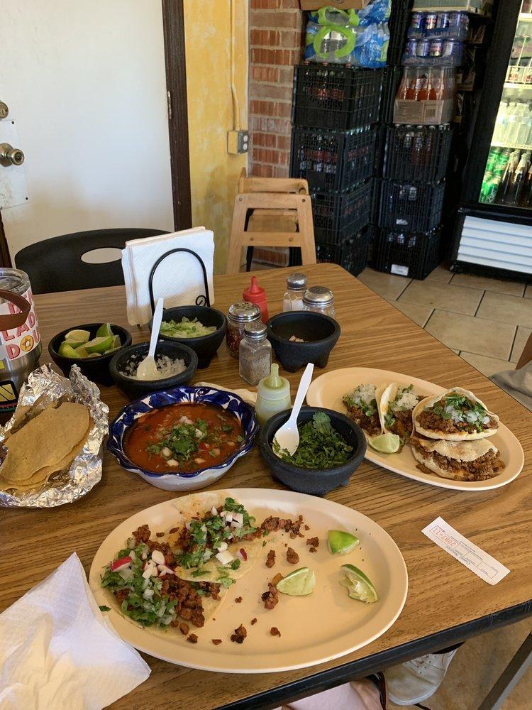 Tacos Mi Pueblo: 2024 New Boston Rd, Texarkana, TX