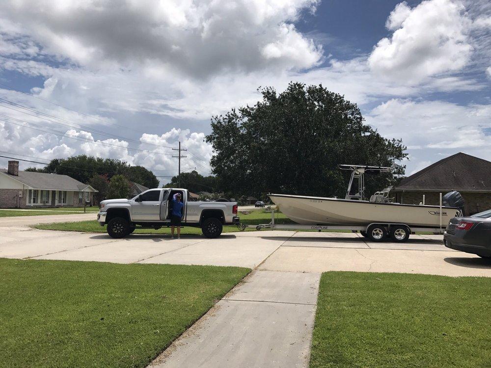 Top Gun Wrecker Service : 1255 Amelia St, Beaumont, TX