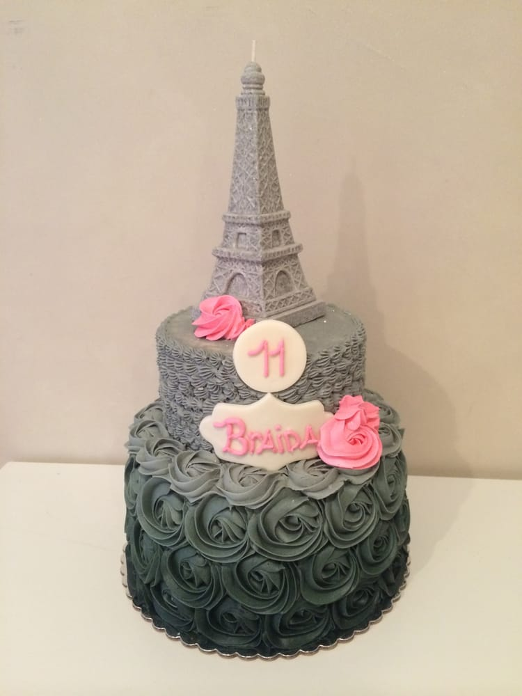 I Need Ideas For Decorating My Living Room: Paris Cake (b&w Themed)