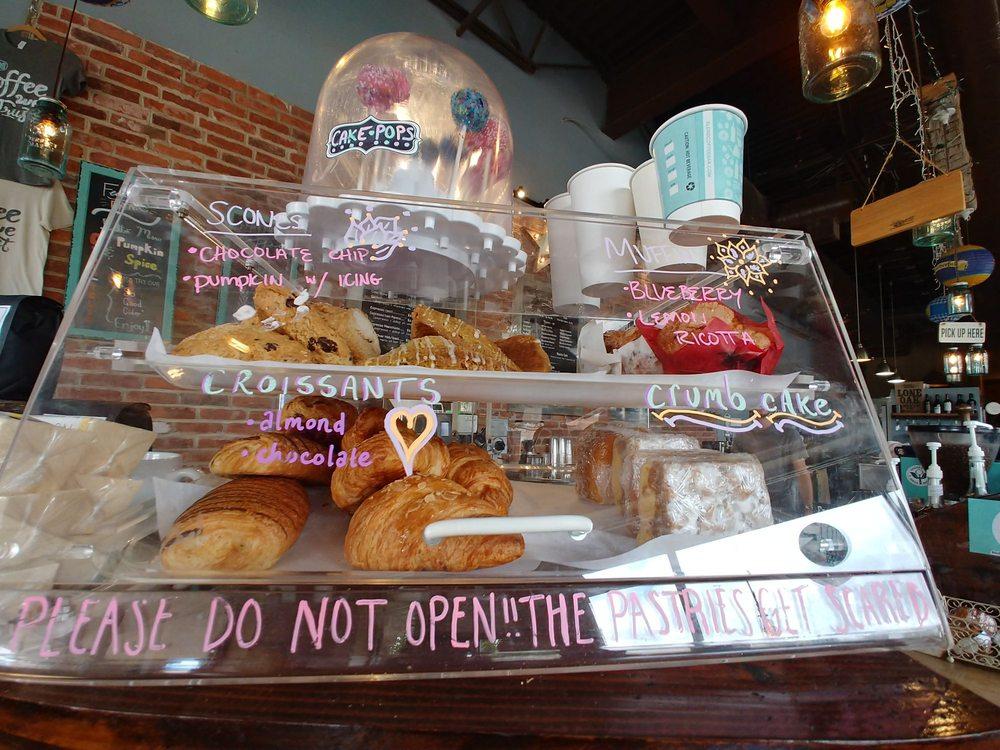 Blend Coffee Bar: 43170 Southern Walk Plz, Ashburn, VA