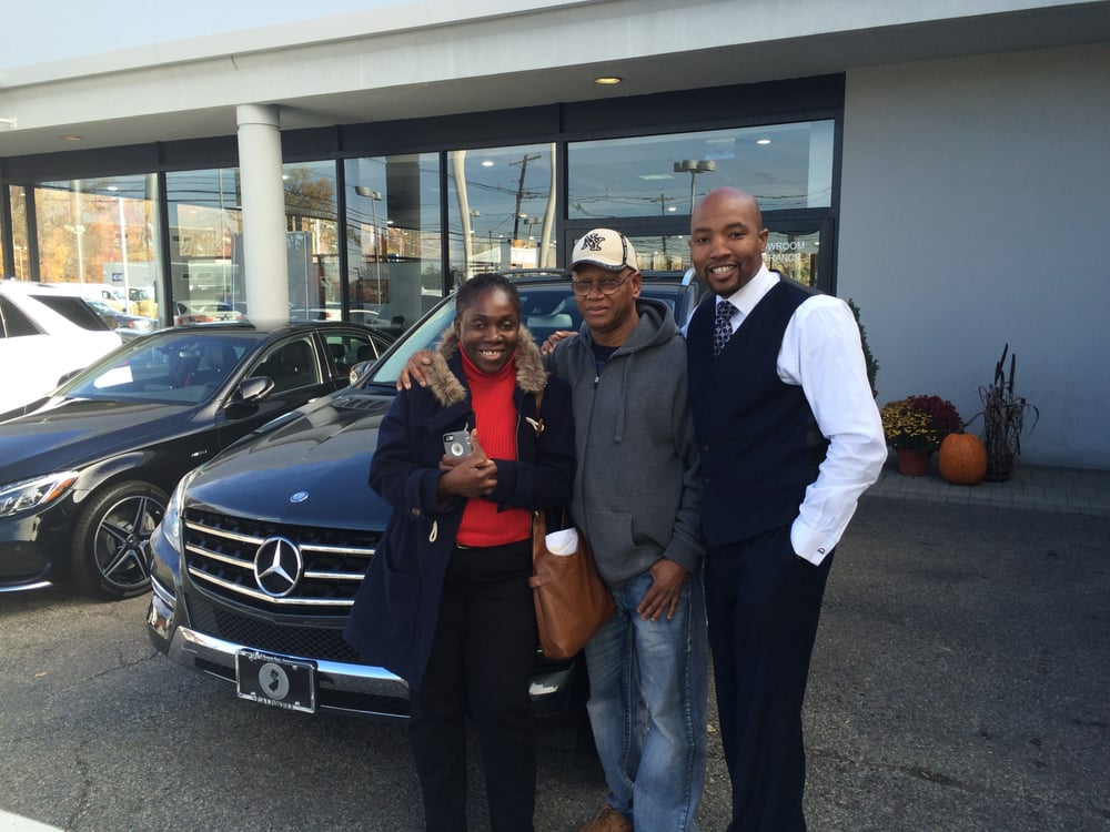 mr mercedes and my new clients picking up the mercedes