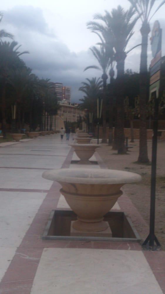 Parque l'iguera: Avenida L'Aigüera, s/n, Benidorm, A