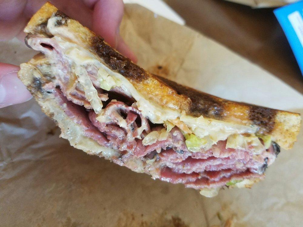 Baggin's Gourmet Sandwiches: 11015 N Oracle Rd, Tucson, AZ