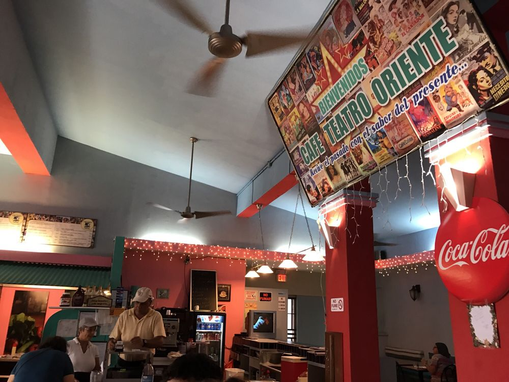 Cafe Teatro Oriente: Calle La Carrera 60, Humacao, PR