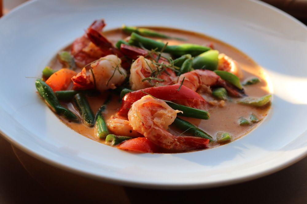Thai Avenue Kitchen and Bar: 562 Farmington Ave, Bristol, CT
