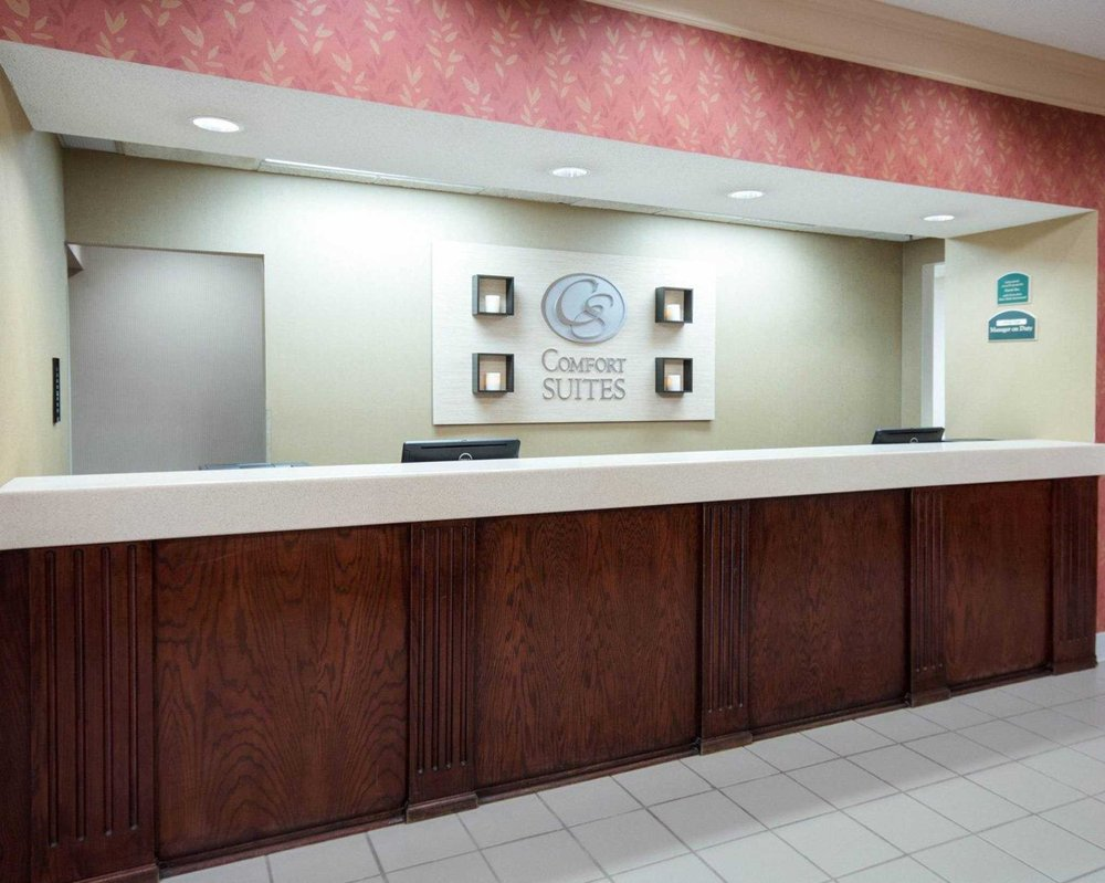 Comfort Suites Parkersburg South: 167 Elizabeth Pike, Mineral Wells, WV