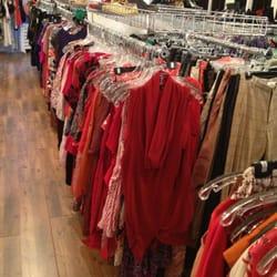 Beacon S Closet 16 Foton Amp 188 Recensioner Herrkl 228 Der 10 W 13th St Greenwich Village New
