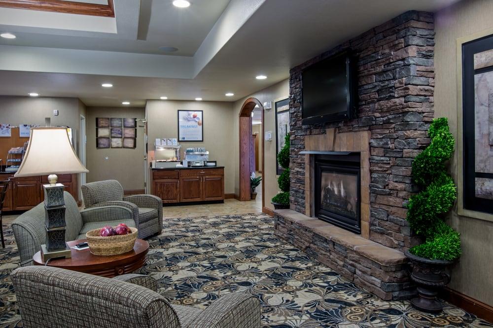 Holiday Inn Express & Suites Lewisburg: 222 Hunters Ln, Lewisburg, WV