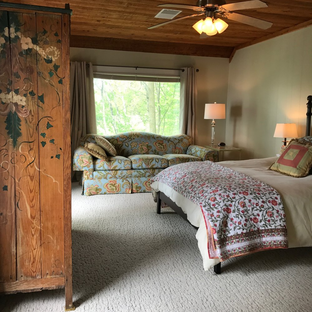 Blue Lake Lodge: 9765 Blue Lake Lodge Ln, Mecosta, MI