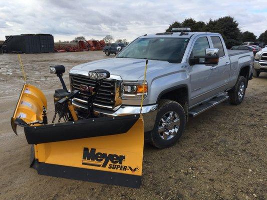 NITE Equipment 2388 N Conger Rd Pecatonica, IL Tractors