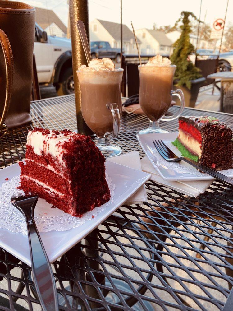 Dolce Cafe: 3255 Lawson Blvd, Oceanside, NY