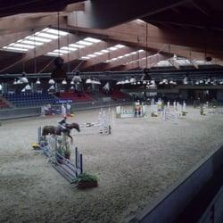 centre equestre 59700