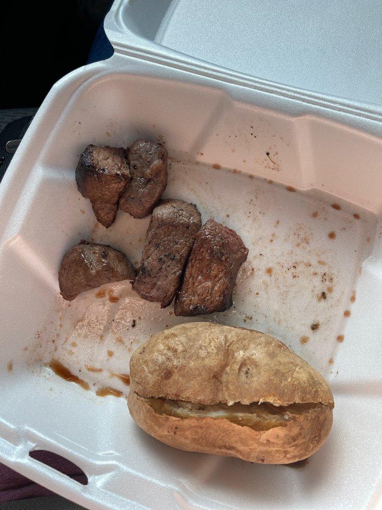 Colton's Steakhouse & Grill: 1553 St Louis St, Batesville, AR