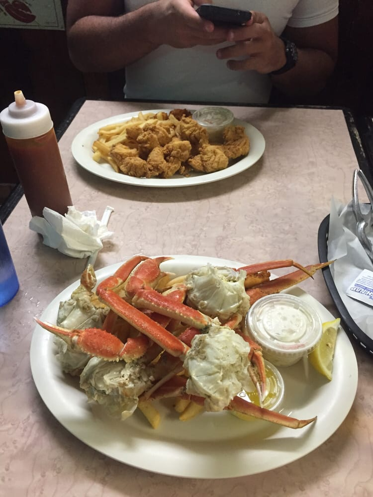 Skip one seafood market and restaurant 49 photos 153 for Fish restaurant fort myers