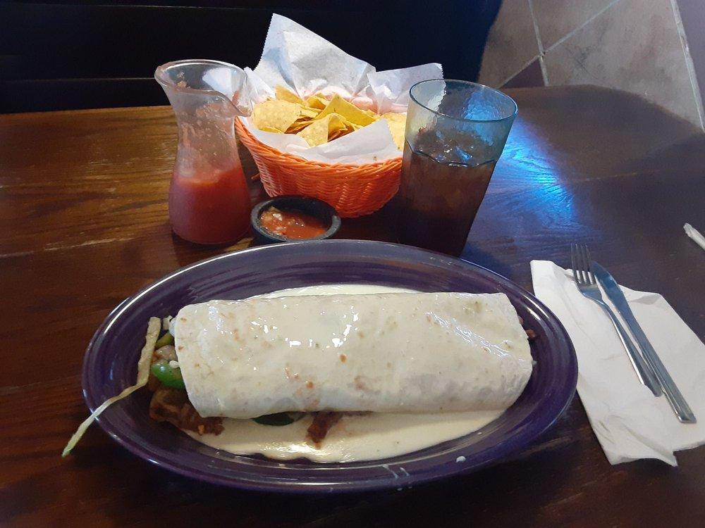 La cocina Mexican restaurant: 1407 W Main St, Salem, IL
