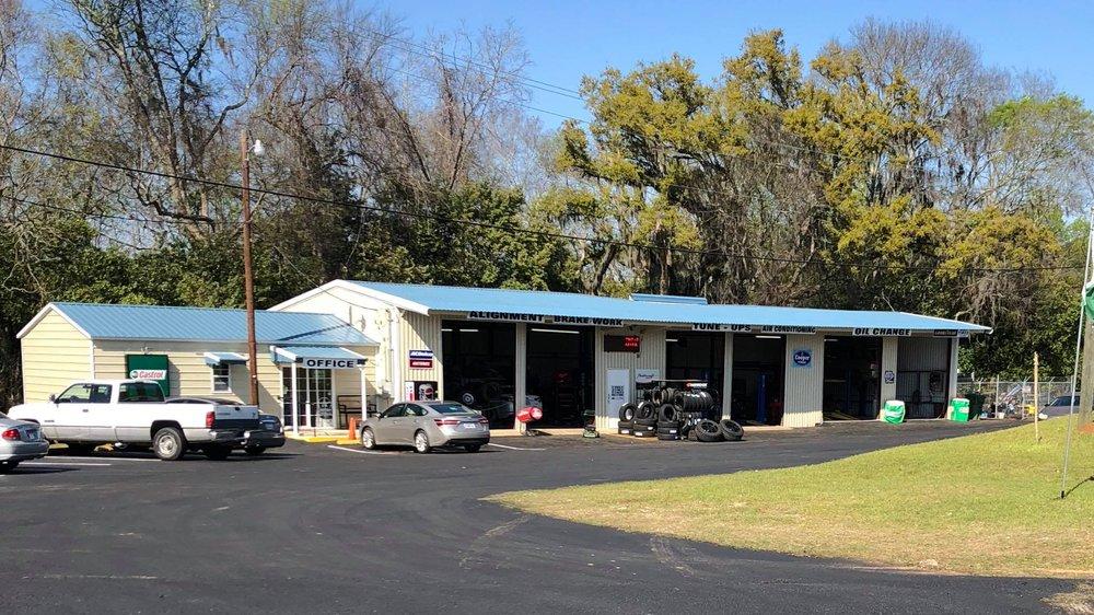 Darrin's Auto & Tire Service: 200 W Calhoun St, Bainbridge, GA