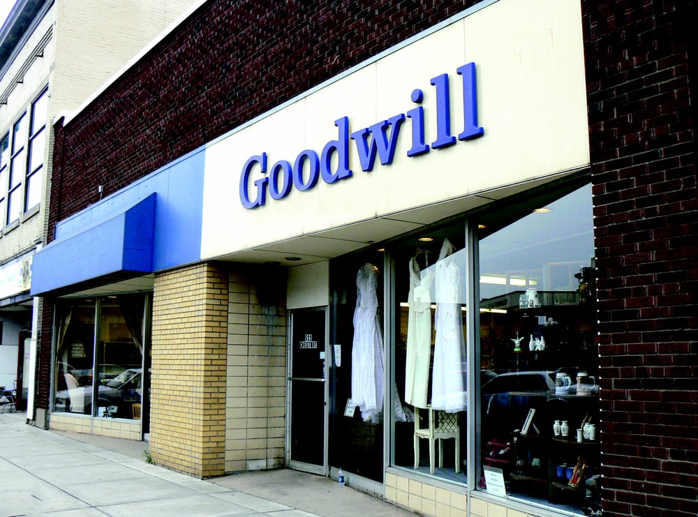 Goodwill Industries Retail Store: 522 Chestnut St, Virginia, MN