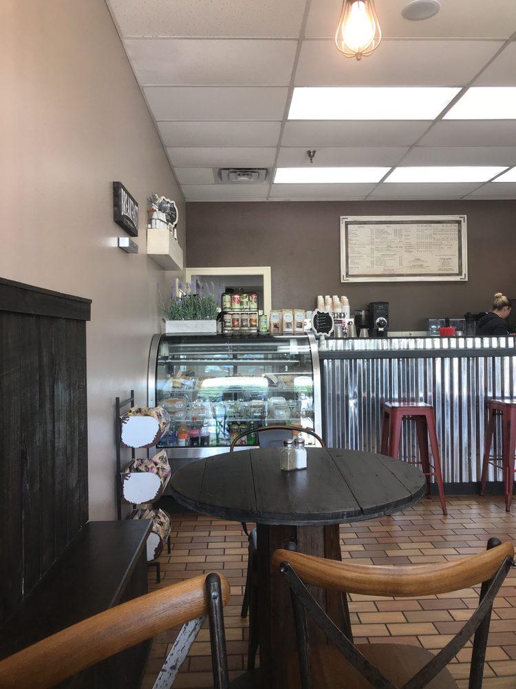 J'aime Le Café: 12715 Hwy 90, Luling, LA