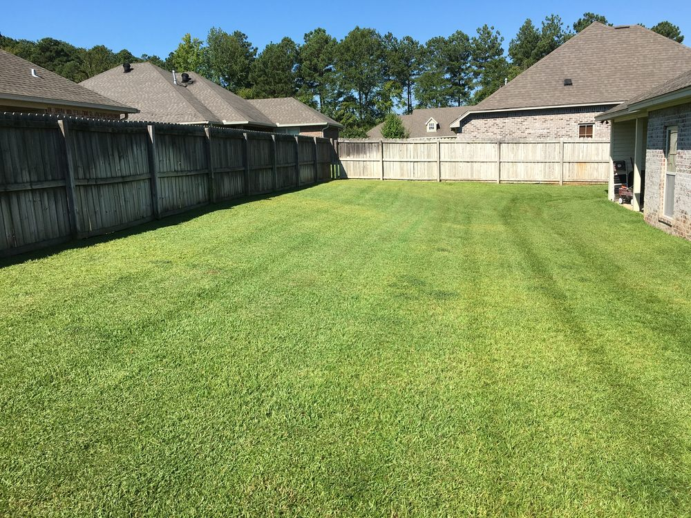 Glover's Lawn Care: Ruston, LA