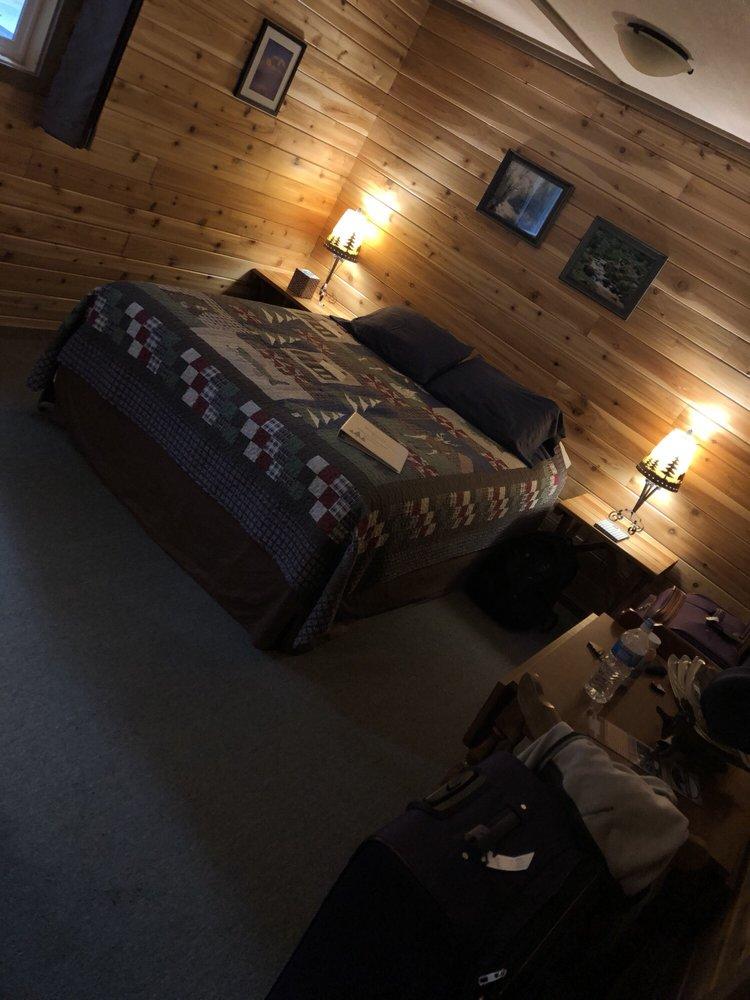 Mounthaven Resort: 38210 State Route 706 E, Ashford, WA