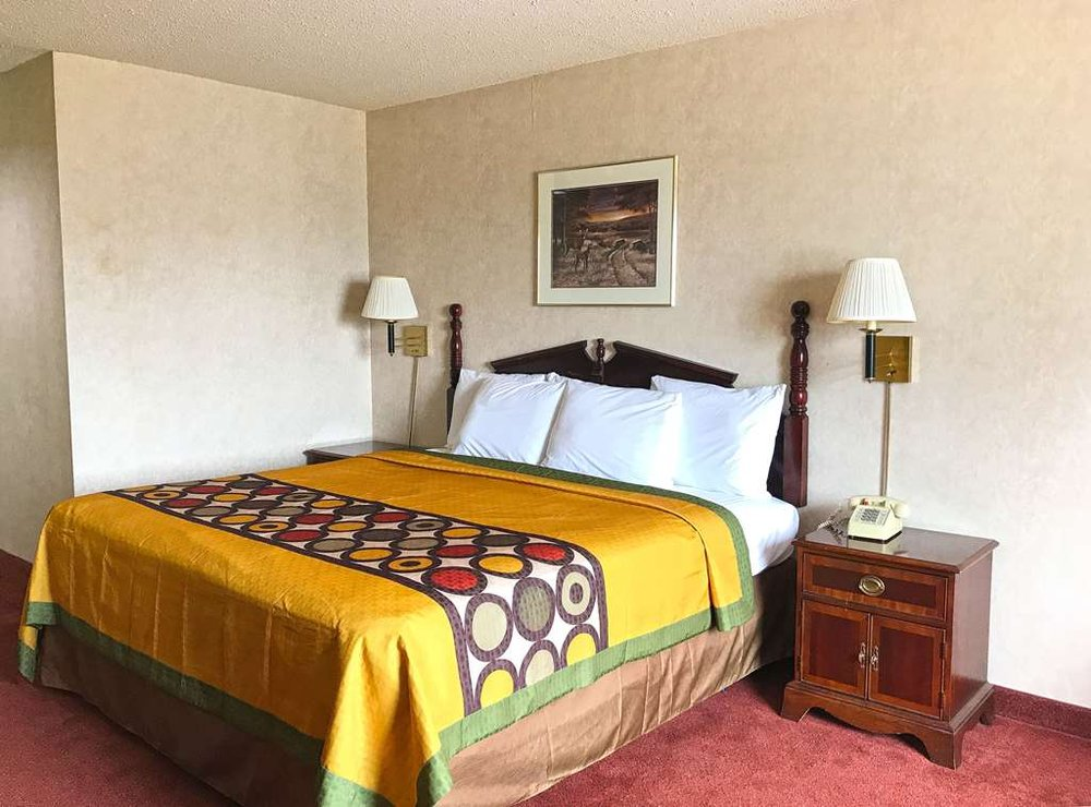 Americas Best Value Inn Ullin Mounds: 128 Cheekwood Lane, Ullin, IL