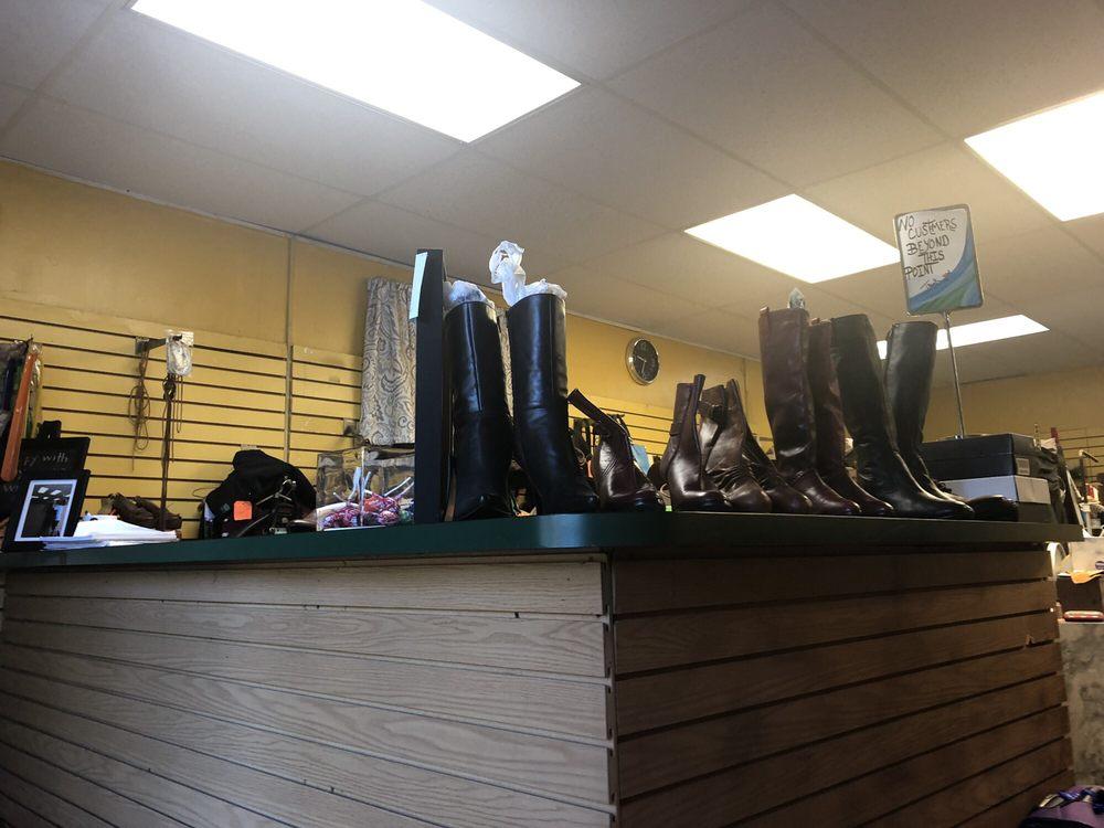 Vance Shoe Repair: 4900 Waterloo Rd, Ellicott City, MD