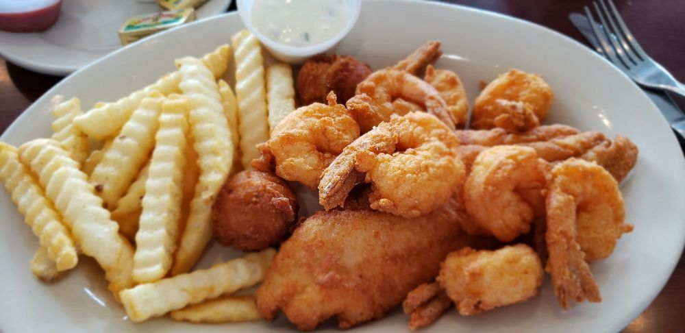 Pier 407 Seafood & Grill: 2021 Justin Rd, Flower Mound, TX