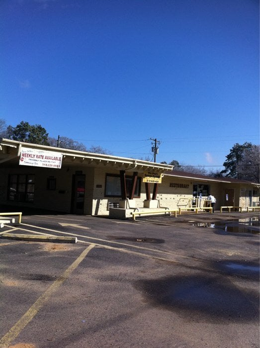 Evergreen Inn & RV: 1903 Maple St, Winnfield, LA