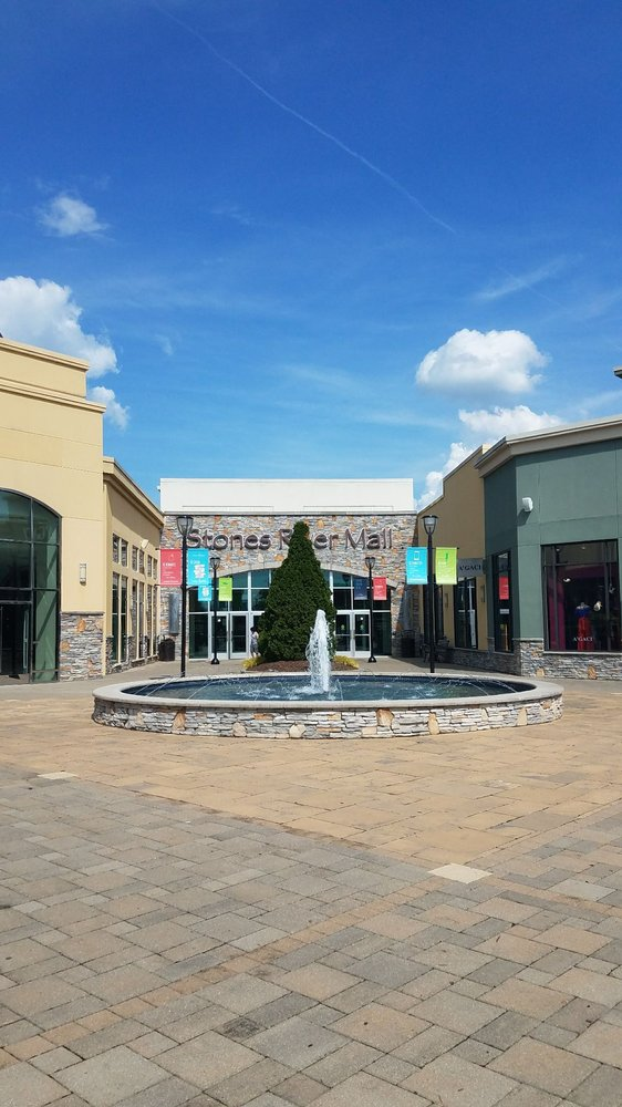 Stones River Mall: 1720 Old Fort Pkwy, Murfreesboro, TN
