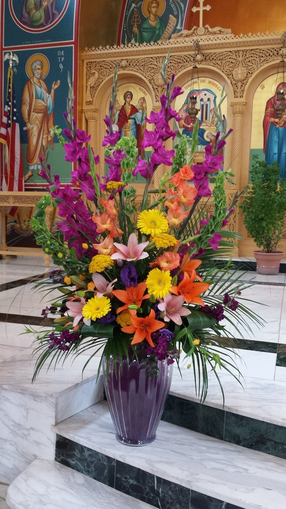 Vanessa's Flowers: 545 Ann Arbor Rd W, Plymouth, MI