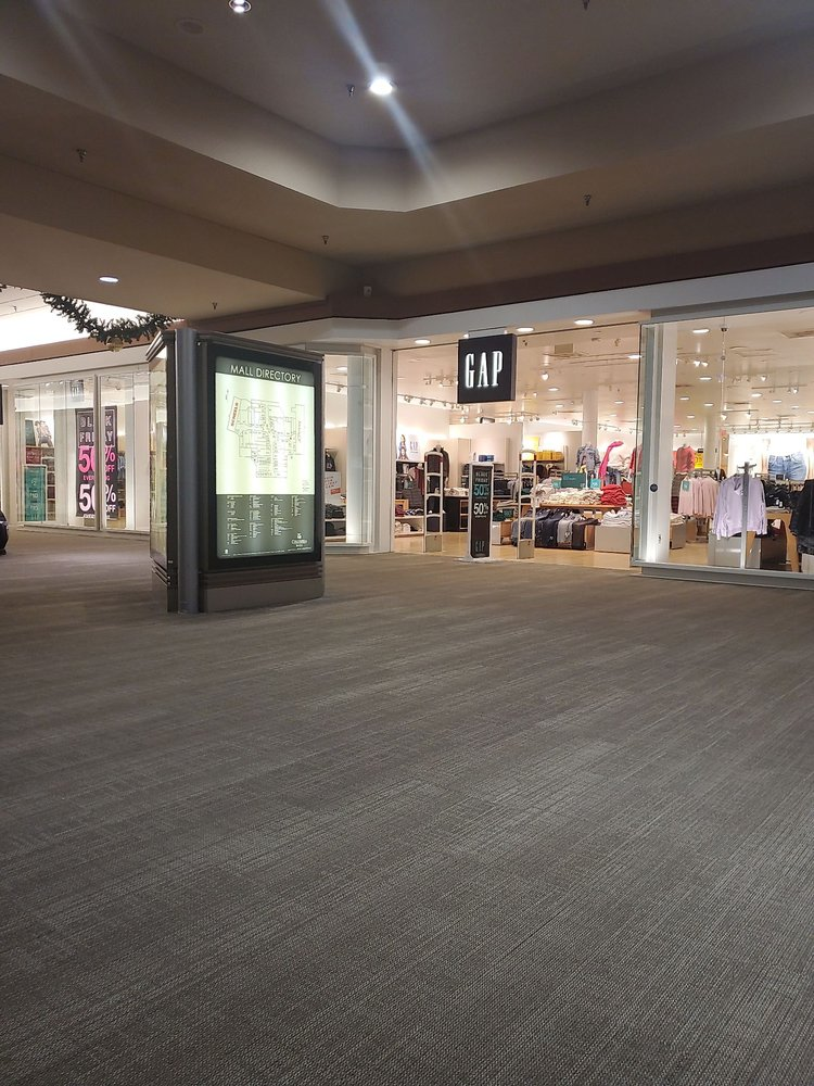 Columbia Mall: 2800 S Columbia Rd, Grand Forks, ND