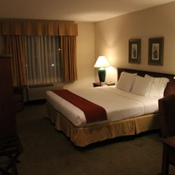 Photo Of Guesthouse Inn Suites Monroe Wa United States King Bed