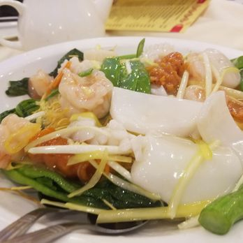 Photo Of Golden City Seafood Restaurant Brooklyn Ny United States Noodles