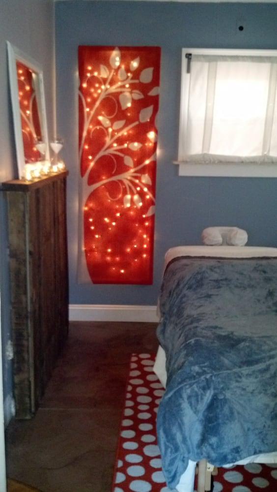 Gingi's Salon and Massage: 255 Main St, Belleville, MI