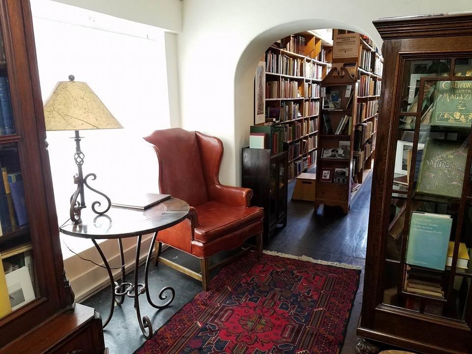 Bell's Book Store: 536 Emerson St, Palo Alto, CA