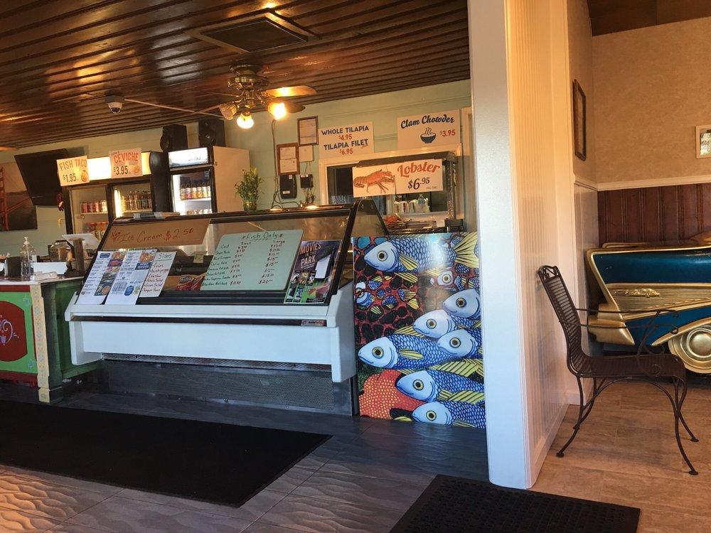 World Seafood Restaurant: 1588 W Highland Ave, San Bernardino, CA