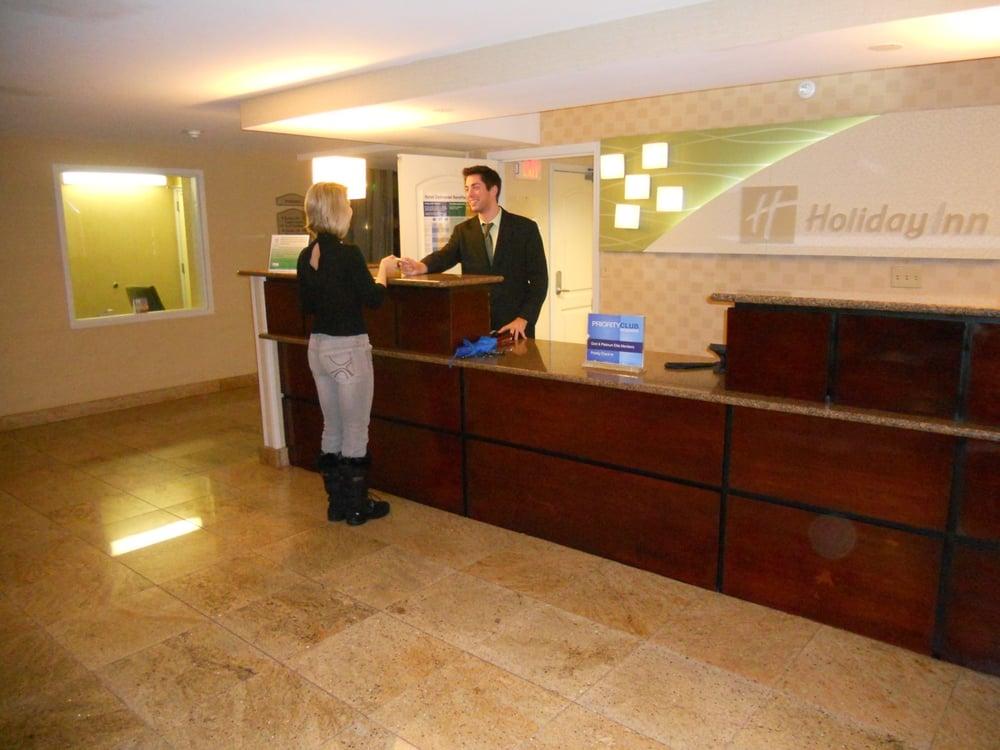 Holiday Inn Hotel Hazlet