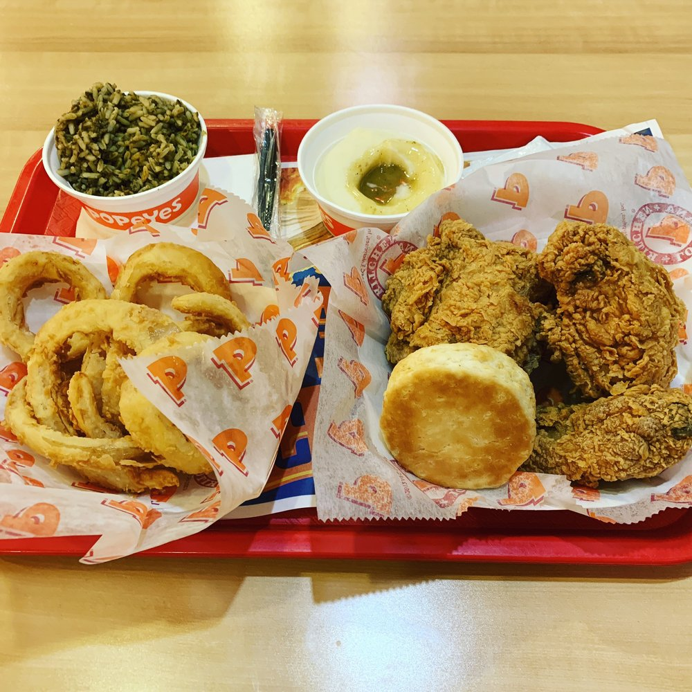 Popeyes Louisiana Kitchen: 44061 Ashburn Shopping Plz, Ashburn, VA