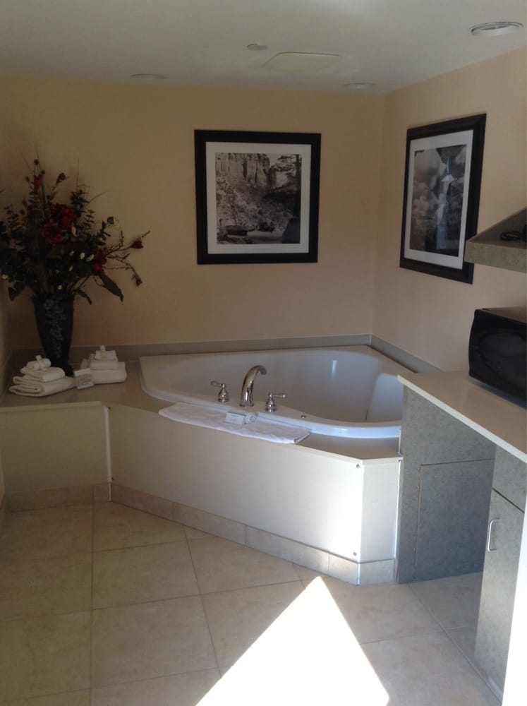Suite 401 Jacuzzi for 2. - Yelp