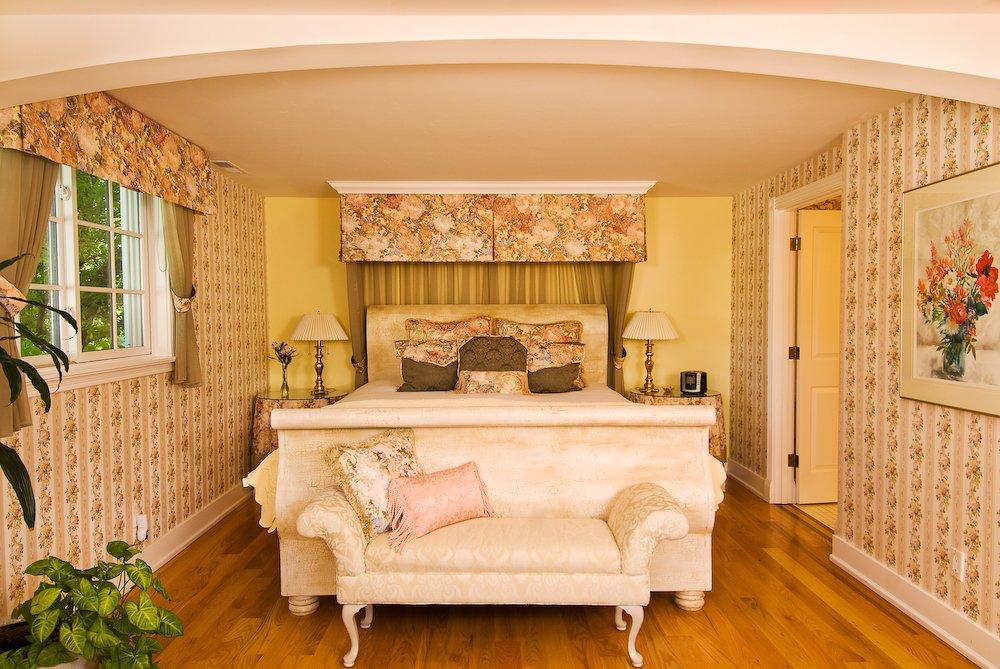 A Midsummers Dream Bed & Breakfast: 496 Beach St, Ashland, OR