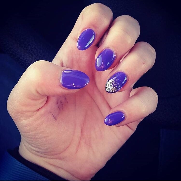 Purple Almond Shaped Artificial Gel Nails With Gel Polish