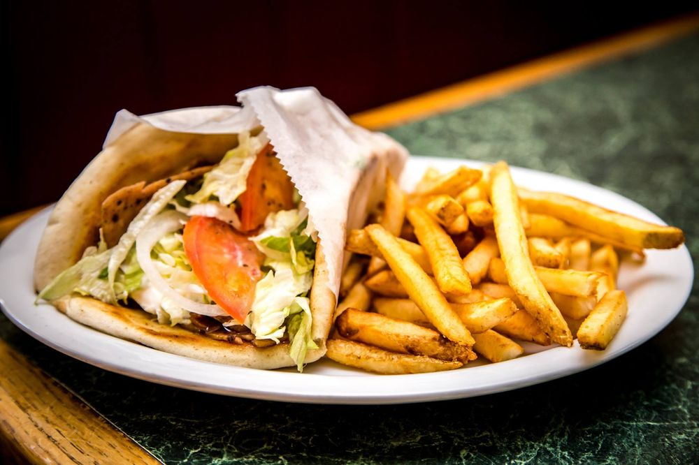 Georgio's Pizza and Family Restaurant: 5945 W Jim Bilton Blvd, Saint George, SC