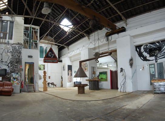Centrale Antiboise Des Bois - Centrale 7 Carreau de la mine de Bois II Venues& Event Spaces Carré Rue du carreau de