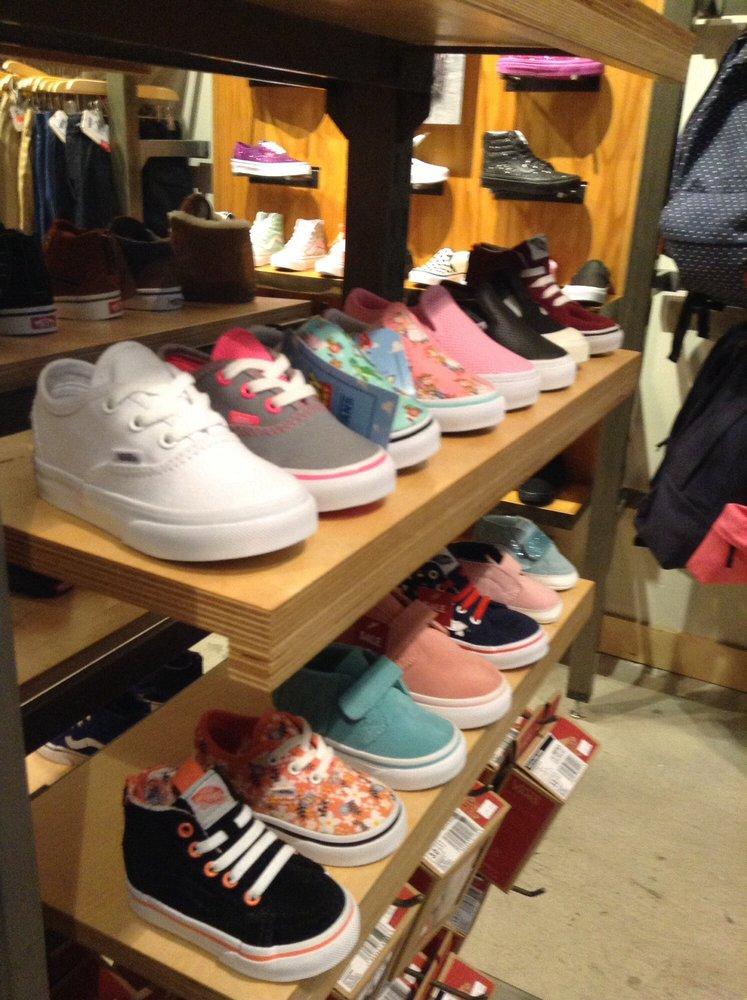 Female Shoe Stores Near Me
